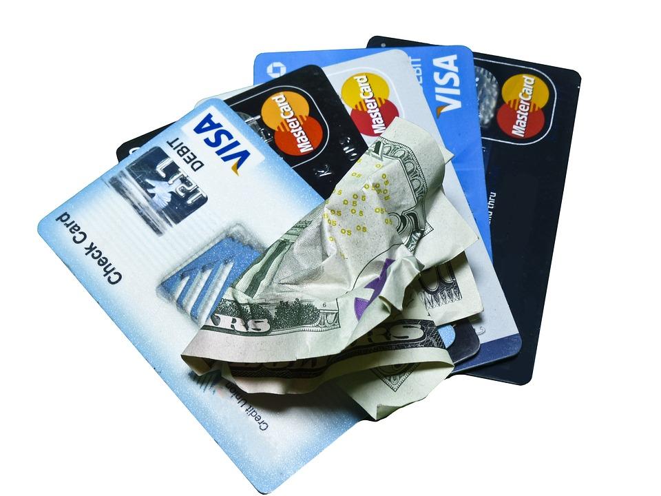 Karta kredytowa – czy warto ją posiadać?