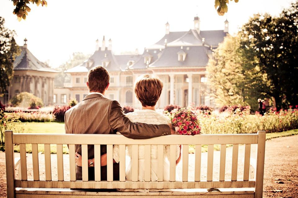 Plenerowe zdjęcia ślubne