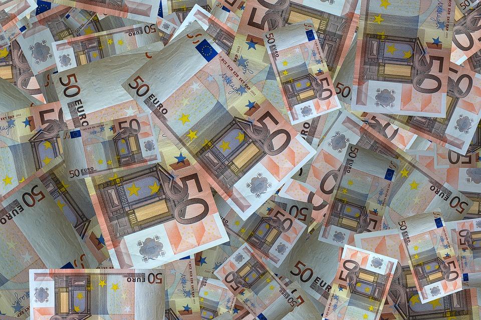 Jak błyskawicznie przelewać pieniądze?