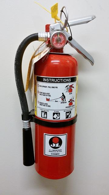 Instalacja czujników dymu i gaśnice przeciwpożarowe