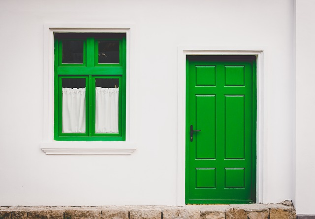 Jakie okna i drzwi dobrać do domu