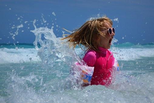 Polisa na wakacje dla dzieci